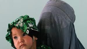 Muslim_woman_baby