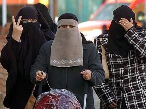 Muslim_women-300x223