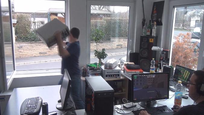 Gooi-je-computer-uit-het-raam