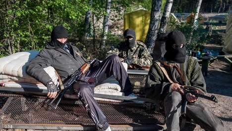 © epa. Een groot deel van de pro-Russische rebellen heeft vannacht Slavjansk verlaten.