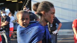 Reddingsoperatie Mare Nostrum haalt bootvluchtelingen van zee AFP