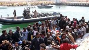 Deze dappere mannen laten hun vrouwen en kinderen zonder pardon achter en zijn dus geen vluchtelingen.