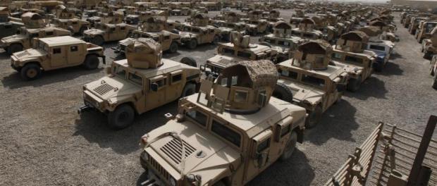 alleen al in Mosul maakte ISIS 2300 Humvees buit.