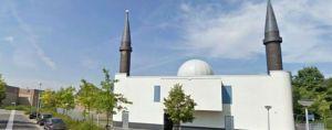 één van de moskeeën in Almere waar het verkrachtingshandboek gepredikt wordt